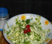 Как приготовить салат из капусты с зеленью