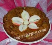Яблочная шарлотка в мультиварке – скороварке