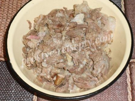 отделить мясо от костей