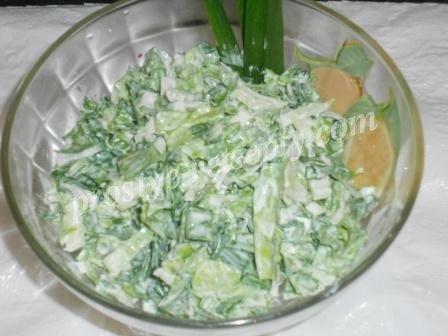 салат с пекинкой и черемшой