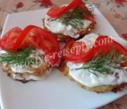 Кабачковые оладьи с помидорами – рецепт с фото
