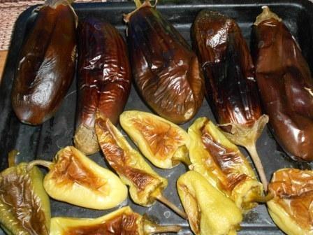 запеченные баклажаны и перцы