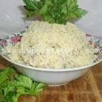 салат с курицей, ананасом и грецким орехом