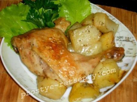 Курица в фольге в духовке с картошкой