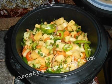 залить томат в овощи