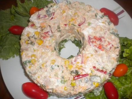 салат торт с тунцом