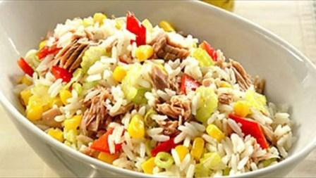 салат с консервой тунца