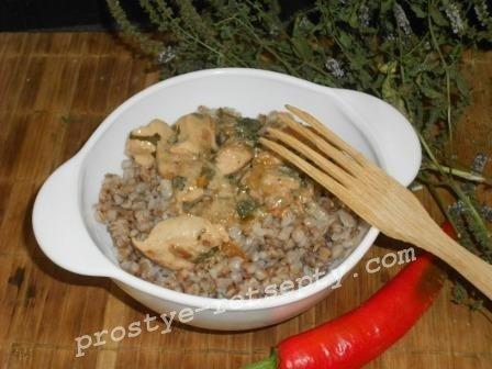 филе в соусе на сковороде