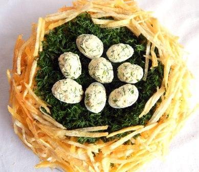 salat-gnezdo-gluhara