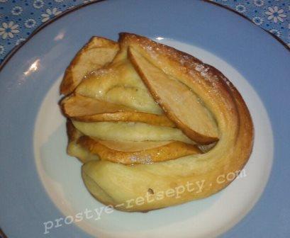 Булочки «Розочки» с яблоками
