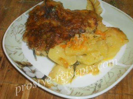 Картошка с рыбой в духовке под сливочным соусом