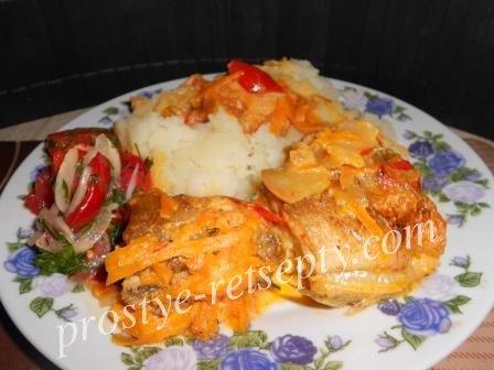 рыба тушеная с луком и морковкой