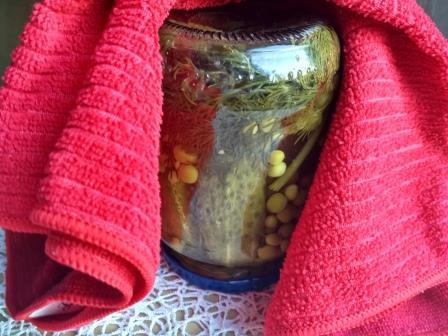 Огурцы на зиму для Оливье с зеленым горошком