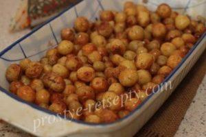 картошечка с чесноком в духовке рецепт с фото