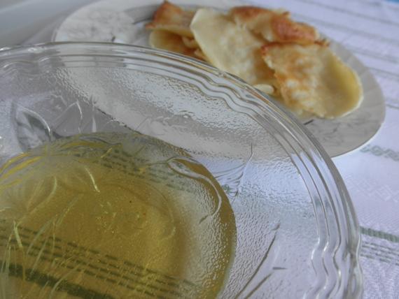 блины с медом на завтрак