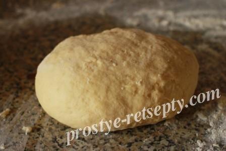 сформировать тесто для ватрушек