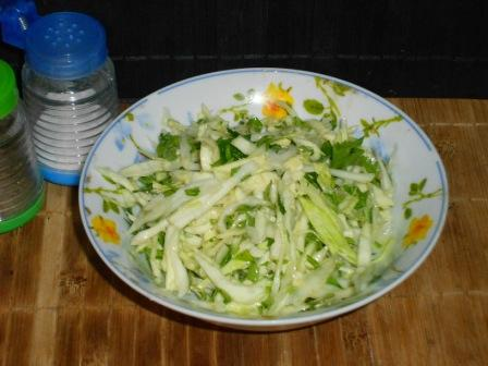 салат капуста зелень