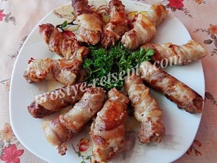 готовые колбаски жареные