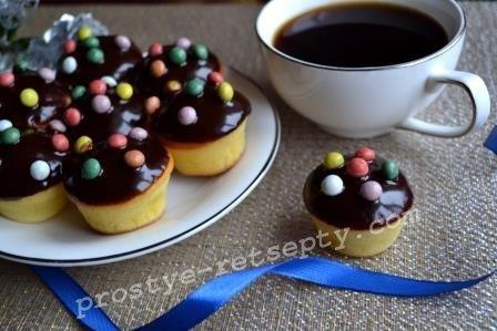 кексы в шоколадной глазури