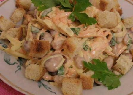 салат из консервированной фасоли вкусный