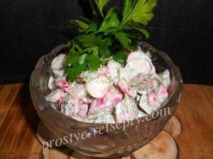 салат из редиски с зеленью