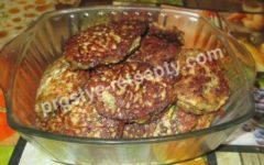 печеночные оладьи с кабачком